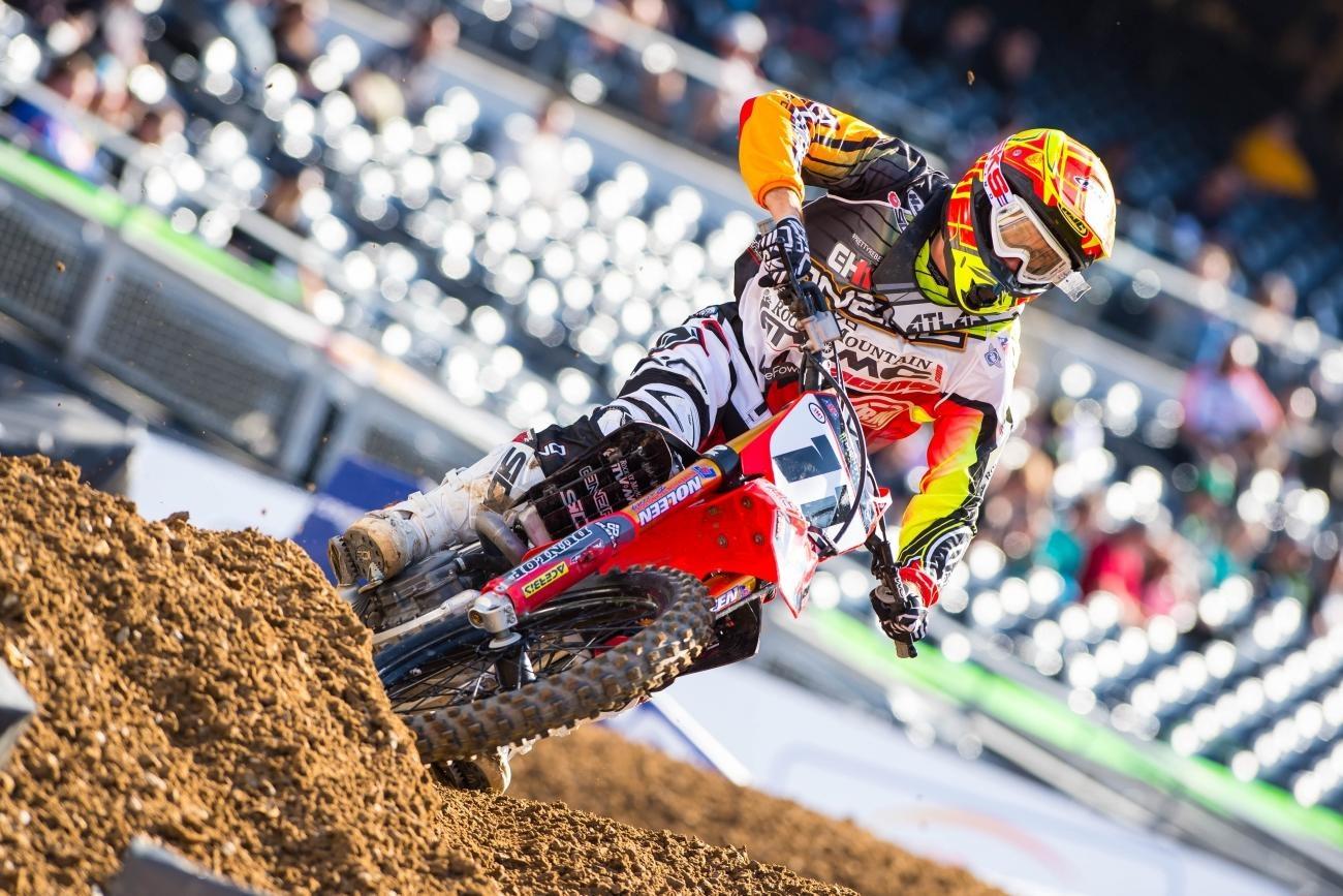 Kyle Chisholm blessé à l'épaule – Racer X Online